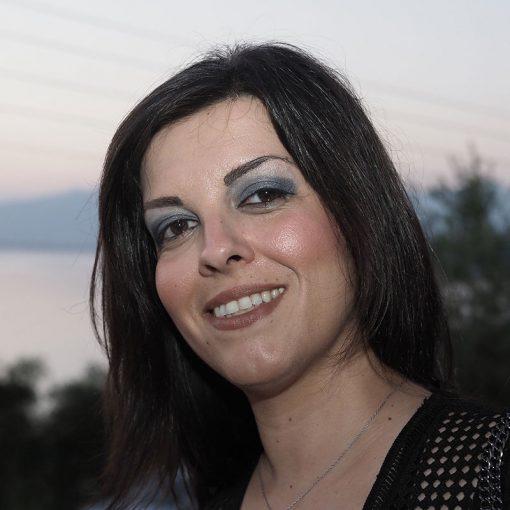 Ευά Κιτράκου, Τα θρανία της αγάπης, Εκδόσεις Πηγή - www.pigi.gr